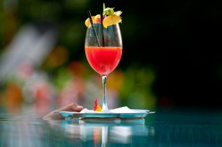 02b_zumsepp_hintertux_restaurant_cocktail.jpg
