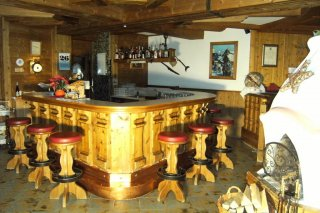 05c_zumsepp_hintertux_bar.jpg